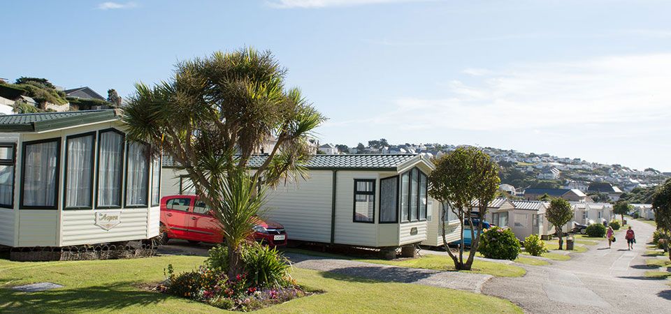 Cornwall-Holiday-Park-Polzeath