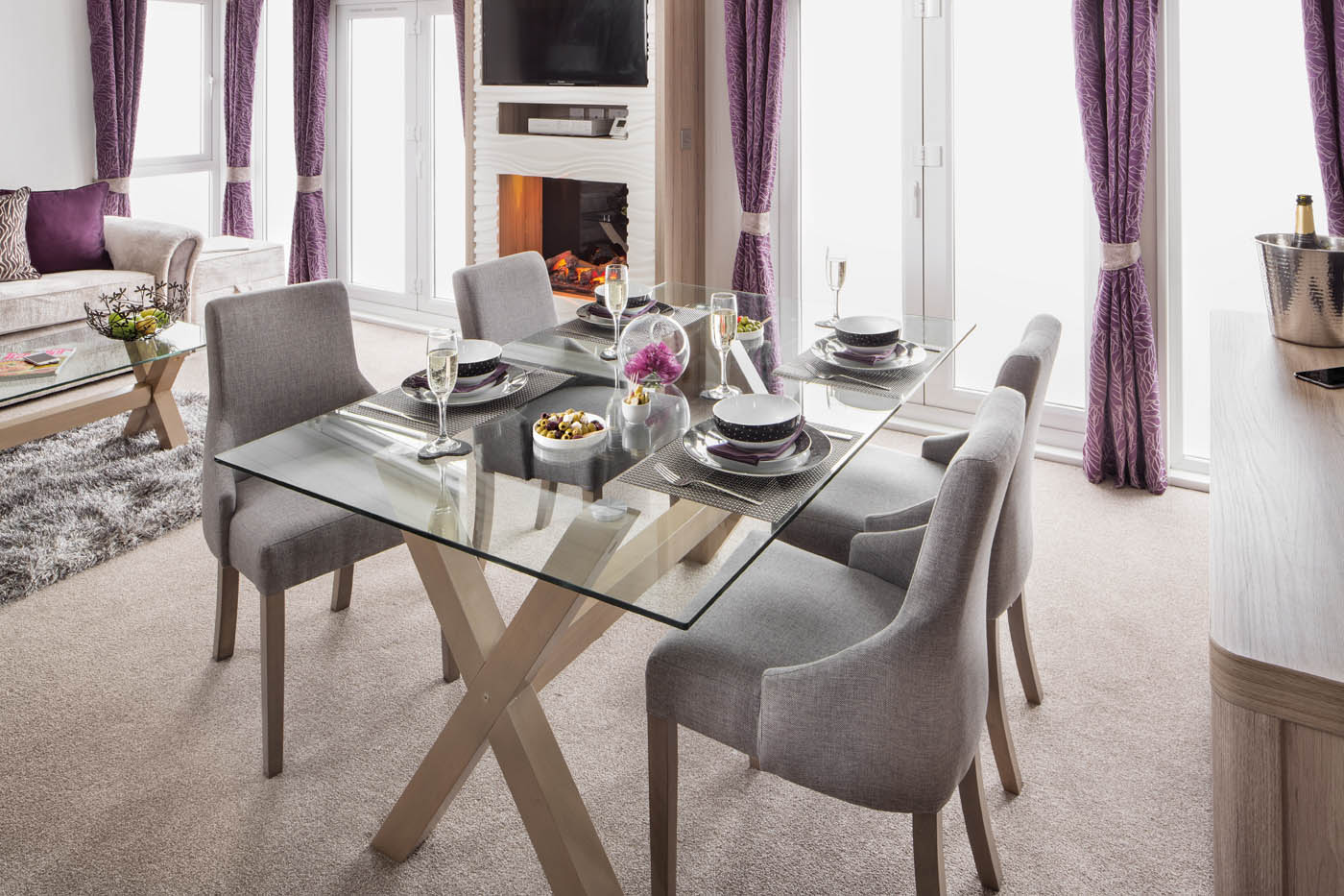 INT-Whistler-Lodge-Dining-Table-SWIFT
